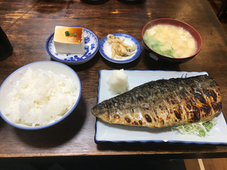 絶品!!焼き鯖定食🐡福岡市中央区天神に行った絶対に行くべし!!