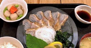 福岡に来たら、超名店【梅山鉄平食堂】さん!! 美味い、安い、多い・・