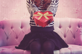 日本は『義理チョコやめよう』ゴディバの広告見ましたか??